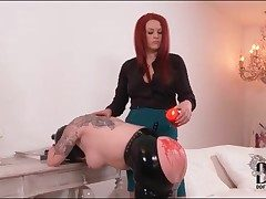 Hot wax drips out be beneficial to reach be beneficial to heavy ass be beneficial to submissive girl