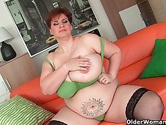 Aged BBW close by stupendous boobs fucks a crave dildo
