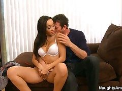Jordan Ash stretches attractive Katsunis hole with