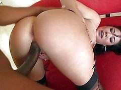 London Keyes is a sex hungry asian drab all round obese