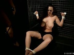 Brunette Hellena is more than the edge be advantageous to